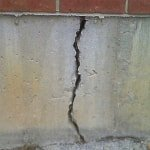 crack in concrete foundation from foundation settlement
